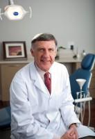 Dr. Roderick MacRae