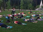 Outdoor Yoga Classes Let Participants Breathe Easily
