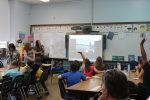 Lakeview Third Graders Talk to Dolphin from Classroom